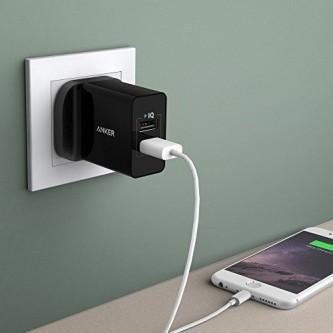 انكر شاحن جداري  24 وات مخرجين USB لون اسود