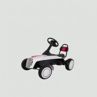سيارة بدال 4 عجلات للاطفال فرامل يد لون ابيض موديل K02